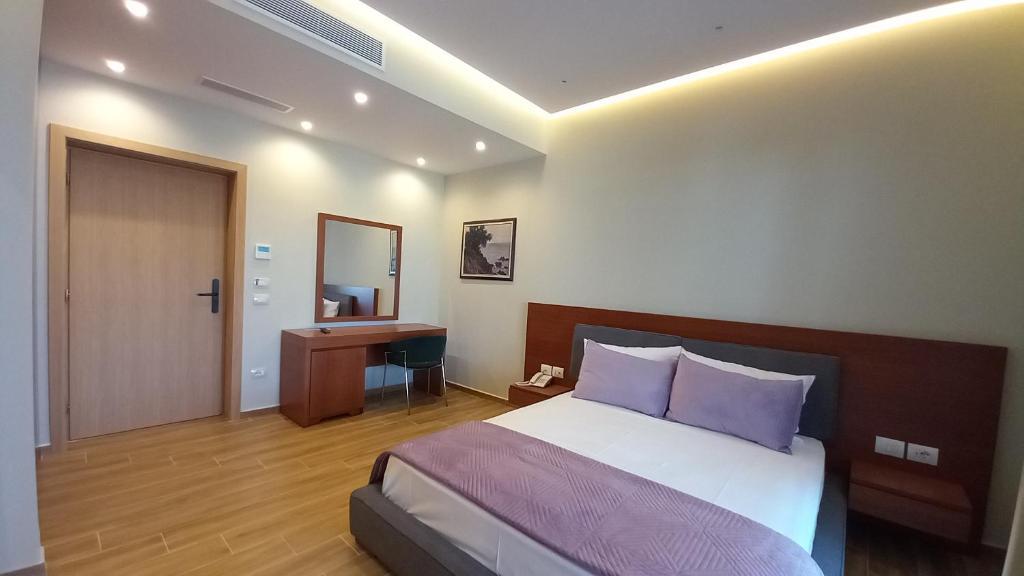 hotel ksamil double room with tarrace