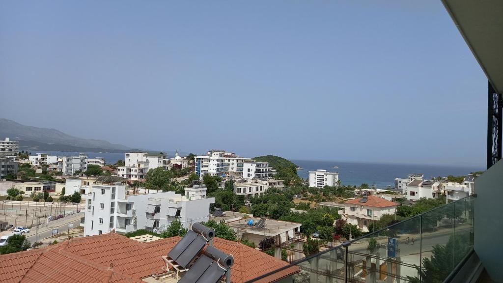 hotel ksamil queen room wit balcony